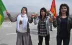 Derecik Beldesi'nde Newroz ateşi yakıldı