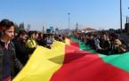 İstanbul Kızılçeşme'de coşkulu Newroz