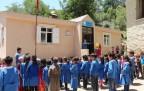Şemdinli'de yaptırdığı okula 3 yıl sonra ziyaret