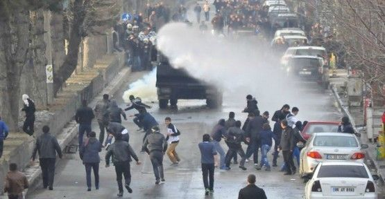 15 Şubat'ı protesto eden 150'ye yakın kişi gözaltında