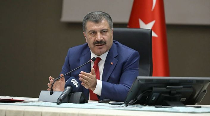 Bakan Fahrettin Koca: Ölüm sayılarıyla skor arayışında olanlar nerede dayanak arıyor?