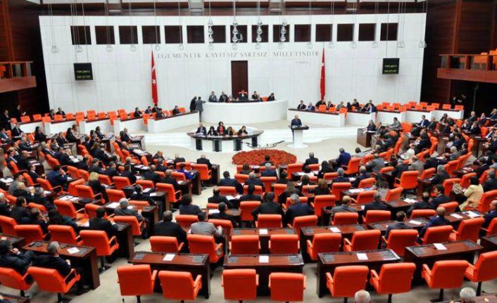 Meclis 42 fezleke ile açıldı