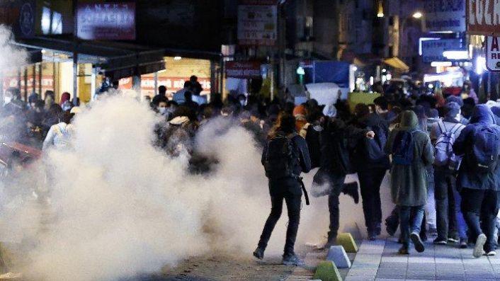 Kadıköy'deki Boğaziçi eylemine katılan 4 kişi tutuklandı 1 kişiye ev hapsi verildi
