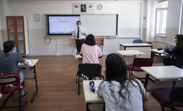Bakan Selçuk'tan liselerde yüz yüze sınav açıklaması