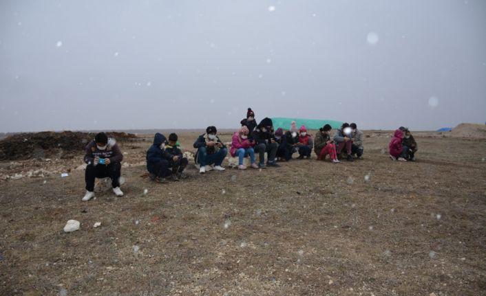 EBA için çadır kuran öğrencilere uydu internet kuruldu