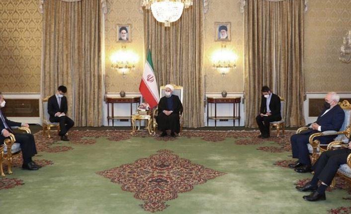 İran ile Çin 25 yıllık iş birliği anlaşması imzaladı