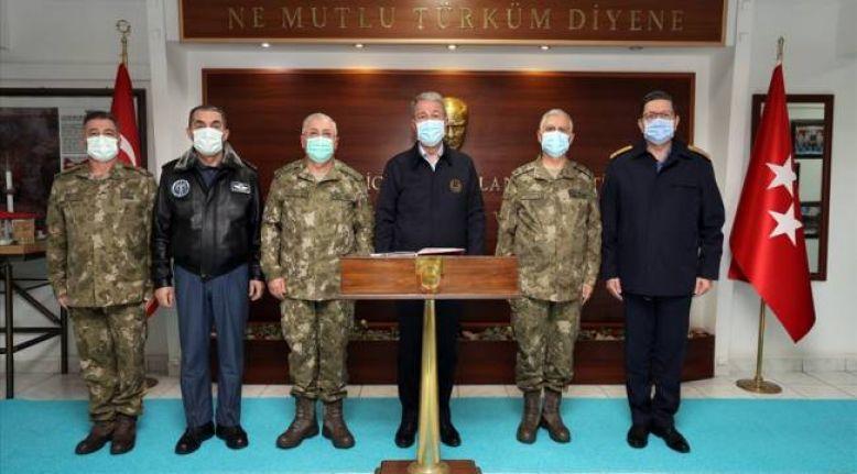 Milli Savunma Bakanı Hulusi Akar Yüksekova'da