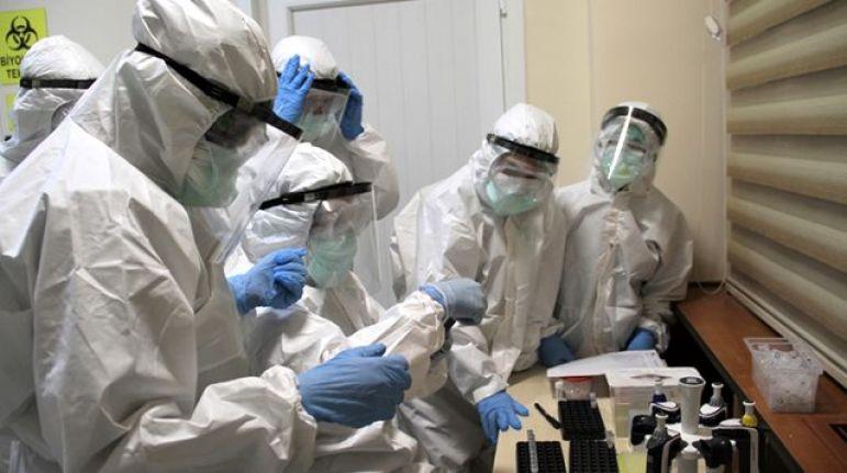 Covid sertifikası şartı geldi, İtalyanlar aşı olmaya koştu