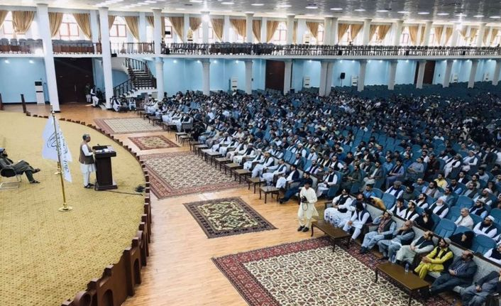 Taliban'ın eğitim toplantısına tek bir kadın çağrılmadı