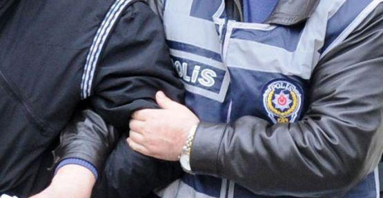 4 polis 'emre itaatsizlik'ten tutuklandı