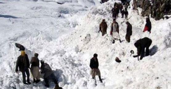 Afganistan'da çığ düştü, 128 kişi öldü