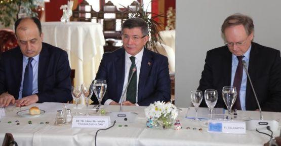 Ahmet Davutoğlu AB büyükelçileri ile bir araya geldi