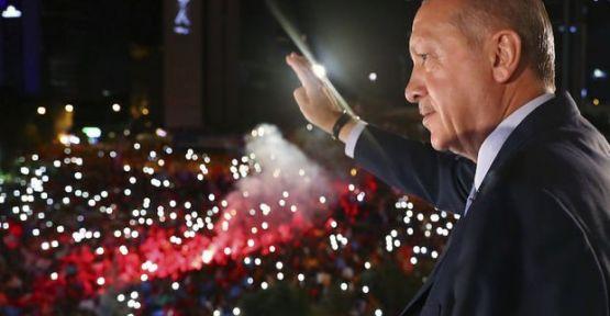 AK Parti'den ilanlı seçim teşekkürü