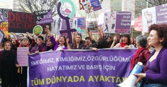 Ankara'da yüzlerce kadın yürüdü: 'İsyanımız var'