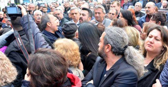 Antalya CHP'de kavgalı devir teslim