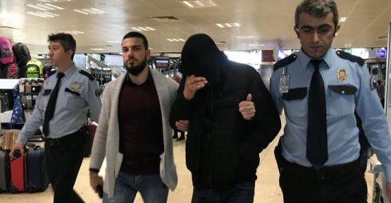 Antalya uçağında kaçak yolcu yakalandı!