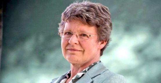 Astrofizikçi Burnell 3 milyonluk ödülünü bağışladı