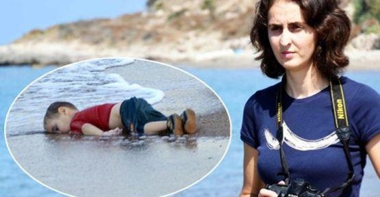 Aylan bebek fotoğrafını çeken gazeteci işten atıldı