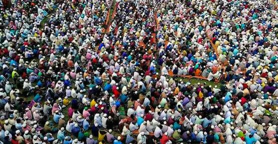 Bangladeş'te uyarılara rağmen evden çıkan 25 bin kişi virüs duası yaptı