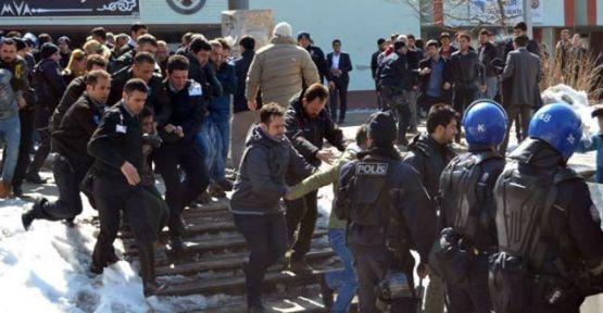 Berkin Elvan eylemlerine polis saldırısı