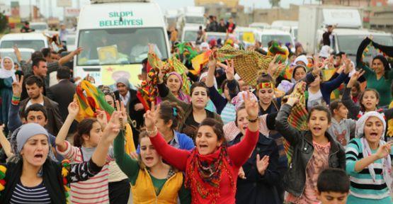 Cenazeyê şervanê YPG'ê Çetîn ji sînor hat wergirtin
