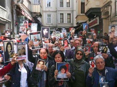 Cumartesi Anneleri gözaltına kaybedilen kadınları andı: Unutmayacağız!