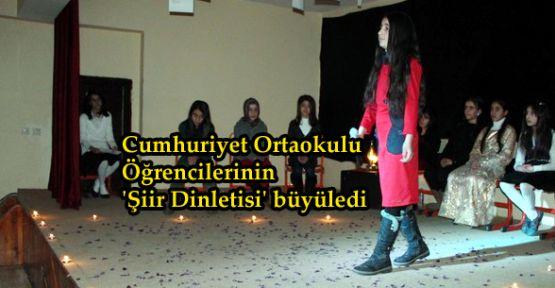 Cumhuriyet Ortaokulu öğrencilerinden 'Şiir Dinletisi'