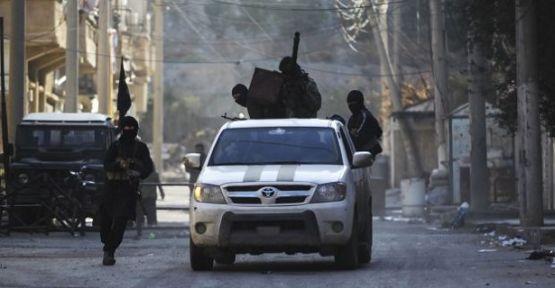 DAİŞ çeteleri 4 kadın ve 9 çocuğu vahşice infaz etti