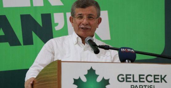 Davutoğlu 'Rojbaş Diyarbakır' dedi, Kürtçe eğitim vaadinde bulundu