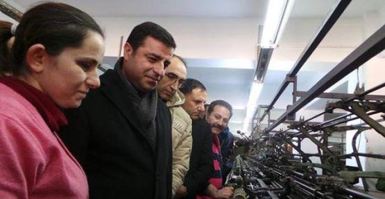 Demirtaş'tan patronsuz üretim yapan Kazova işçilerine ziyaret