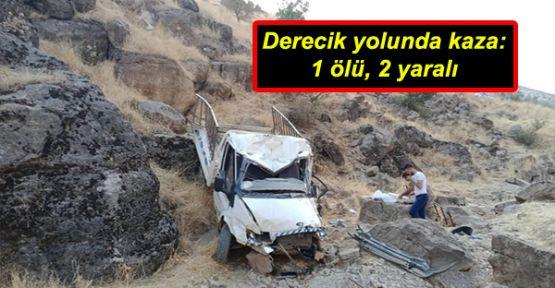 Derecik yolunda kaza: 1 ölü, 2 yaralı