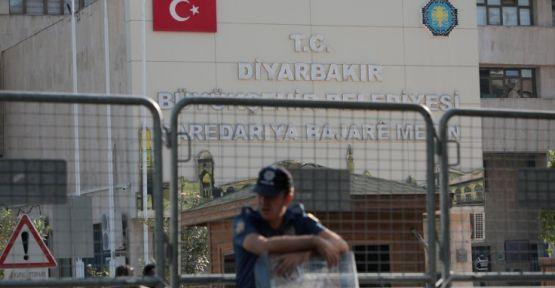 Diyarbakır'da gözaltına alınan 13 kişi serbest bırakıldı