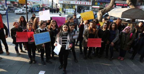 Diyarbakır'da liseli öğrencilerden cinsel istismara karşı eylem