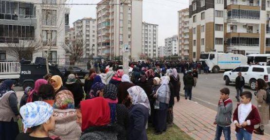 Diyarbakır'daki belediyeler kimi işe alıyor?
