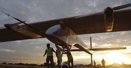 Güneş enerjisiyle çalışan uçak yola çıktı