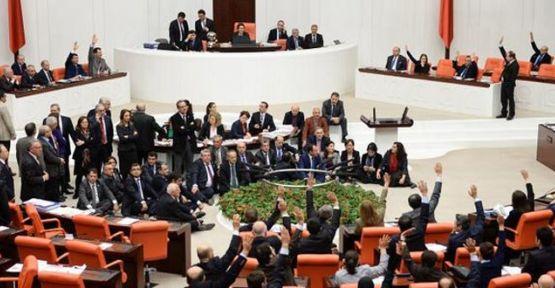 HDP ve CHP mecliste oturma eylemi başlattı