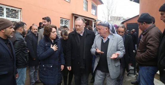 HDP ve DBP, Van'da çığ altında kalanların taziyesine katıldı