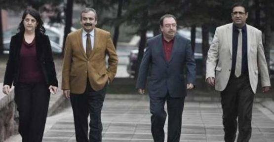 Heyeta HDP'ê bi Ocalan re hevdîtin pêk anî