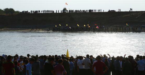 Silopili gençler botlarla sınırı geçerek YPG'ye katıldı