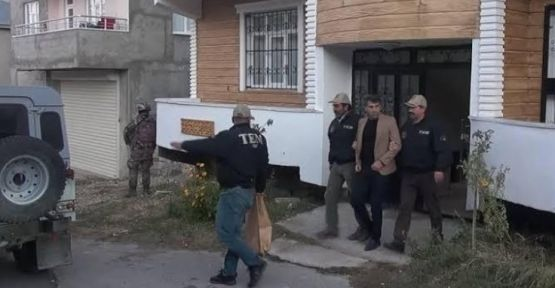 İpekyolu Belediyesi eş başkanları gözaltında