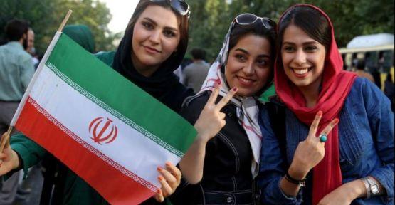 İranlı kadınların futbol heyecanı kısa sürdü: Reform değil teknik hata!
