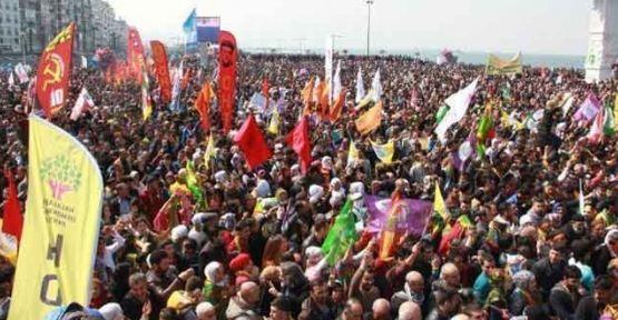 İzmir'de Newroz coşkusu