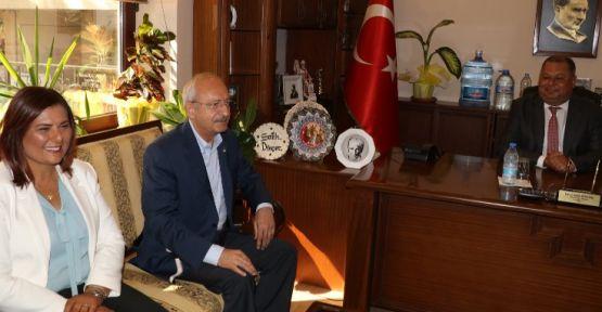 Kılıçdaroğlu: İmamoğlu israfı görsünler diye araçları sergiledi