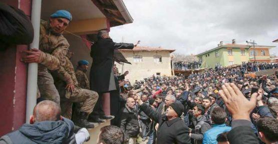 'Kılıçdaroğlu'na saldırıda gözü dönmüş binin üzerinde kişi vardı'
