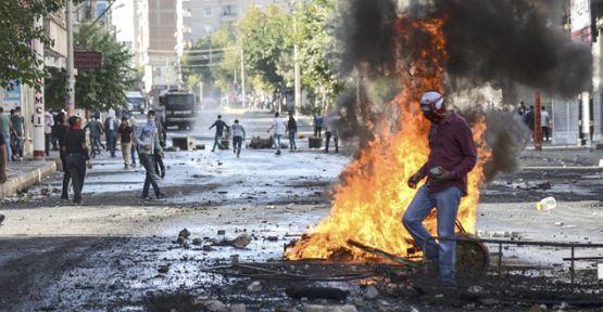 Kobani eylemlerinde en az 14 kişi öldü
