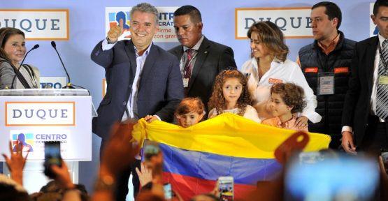 Kolombiya'da barış karşıtları sandıktan birinci çıktı