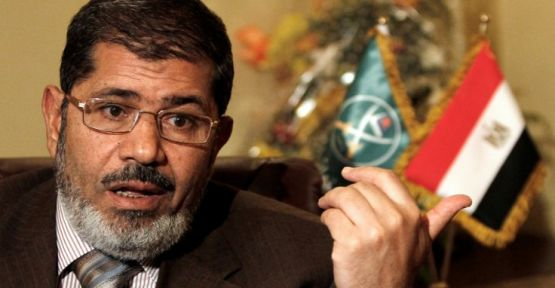Muhammed Mursi Kahire'de toprağa verildi