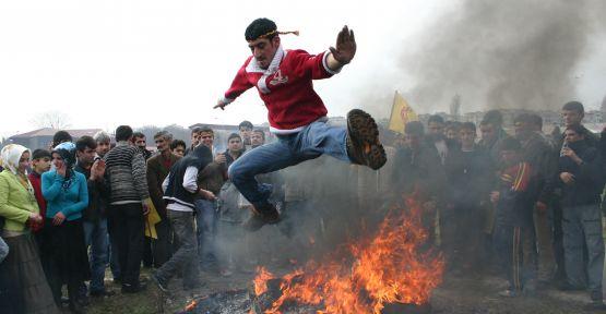 Newroz li çiyayên Kurdistanê hat pîrozkirin