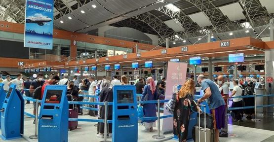 Normalleşme sürecinde Türkiye'ye 233 bin 717 kişi geldi