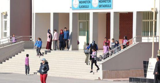 Otizmli öğrencileri attırmak muhtarın seçim vaadi çıktı